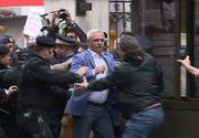Scandal la ICCJ! Liviu Dragnea, îmbrâncit de protestatari! Jandarmeria a dus trei persoane la secție!