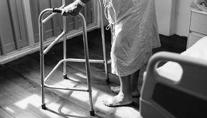 "VIDEO | Un pacient din Vaslui cu accident vascular cerebral a fost plimbat in tot judetul cu ambulanta dupa ce a fost incurcat cu alta persoana! ""S-a intamplat. Mai gresesc si ei!"""