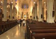 Se repetă istoria? Bărbat arestat la Catedrala Saint-Patrick din New York cu bidoane de benzină şi brichete asupra sa