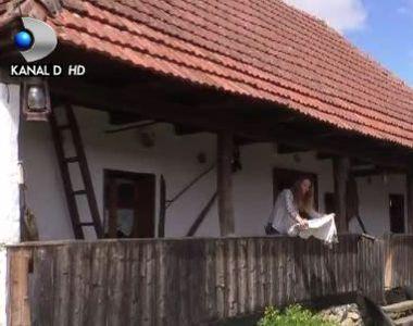 VIDEO | Casa traditionala de 100 de ani, reconditionata de o IT-ista. Turistii sunt...