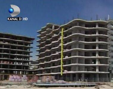 VIDEO   Statiunea  Mamaia e un imens santier. La plaja, pe moloz