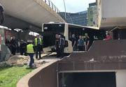VIDEO | Patru persoane rănite, după ce un autobuz a STB a lovit mai multe maşini şi s-a oprit într-un bloc de pe Şoseaua Orhideelor din Capitală - FOTO
