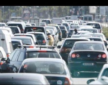 Infotrafic: Aglomeraţie pe Valea Prahovei! Traficul rutier este supravegheat cu un...