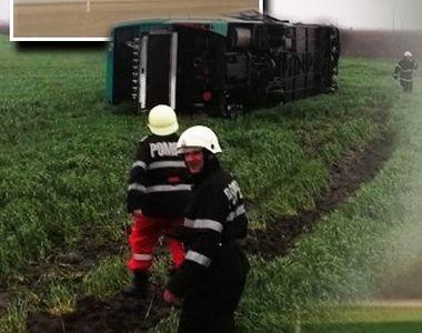 VIDEO | Tornadă în localitatea Drajna, din Călărași. Un autocar a fost răsturnat
