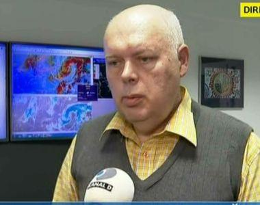 VIDEO   Cum se formează tornadele! Ce spun meteorologii din România despre acest...