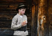 Un copil de 14 ani a murit după ce a căzut de pe o stâncă din munții Rarău! Vlad George Nisioi era originar din Câmpulung Moldovenesc