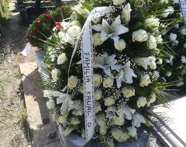 Cum arată mormântul lui Răzvan Ciobanu după ce a plecat toată lumea de la cimitir! Avem...