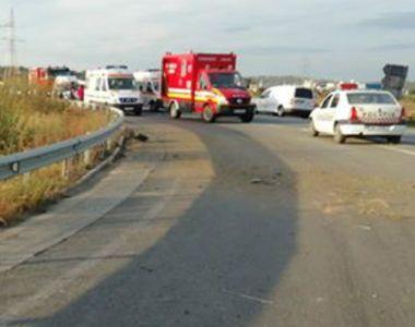 Cinci persoane, rănite după ce o maşină a intrat într-un cap de pod, la Turda