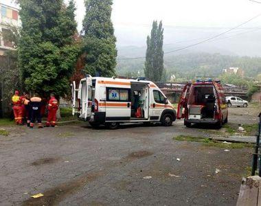 Un miner de la Lupeni a suferit arsuri grave, după ce a lucrat la un transformator şi a...