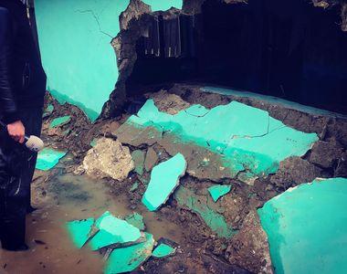 VIDEO. Reporter al STIRILOR KANAL D, in mijlocul oamenilor loviti de inundatii