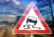 Un tânăr a murit după ce a intrat cu maşina în doi stâlpi de iluminat și s-a răsturnat