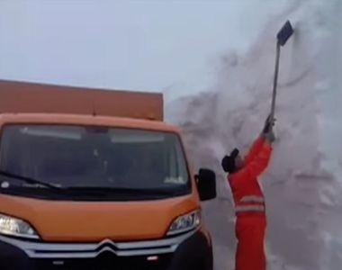 VIDEO   Imagini incredibile! Zăpadă de peste 4 metri în România, în luna mai! Unde s-au...