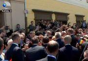 VIDEO | Summit european cu baie de multime