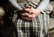 Bătrână din Vaslui, batjocorită de propriul nepot pe care-l crescuse până la 22 de ani! Motivul halucinant: NU i-a dat bani
