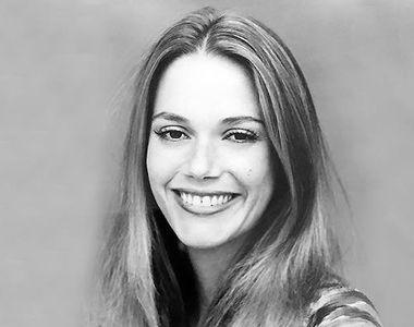 """Actriţa şi cântăreaţa Peggy Lipton, cunsocută din serialele """"The Mod Squad""""..."""