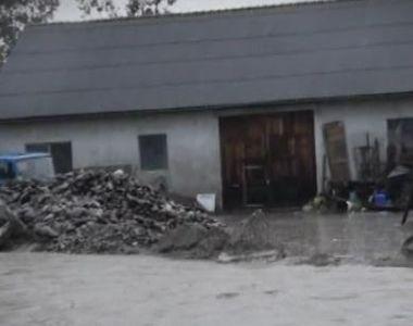 VIDEO | Inundatii in Bistrita-Nasaud si Mures. Zeci de oameni au fost evacuati