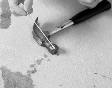 Student român ucis într-un cămin din Paris, cu ciocanul
