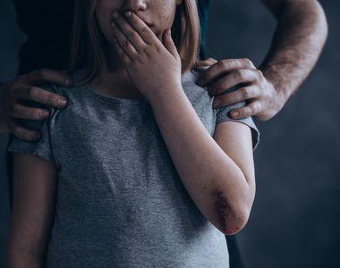 Fetiță de 9 ani, violată de tatăl vitreg! Fetița a rămas însărcinată