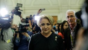 Dăncilă, în conferinţa de presă în judeţul Suceava: Suntem într-o vizită în judeţul Hunedoara