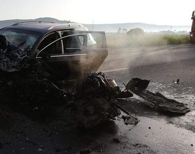 Accident soldat cu rănirea a două persoane pe DN1, în judeţul Braşov; circulaţia este...