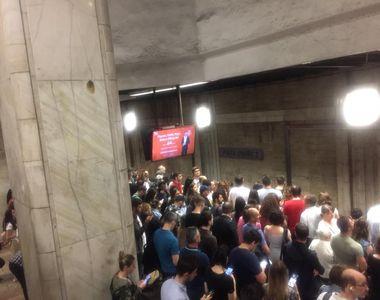 Metrorex: Decalare de două minute în programul de circulaţie pe Magistrala 2...
