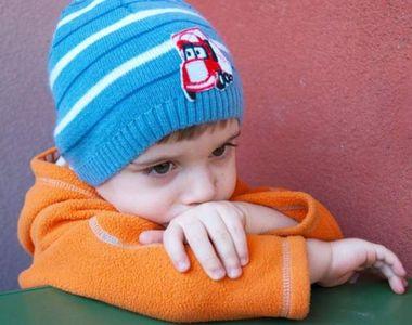 Copil cu autism dat afară dintr-o biserică din Timișoara : 'Nu aveţi voie cu acest...