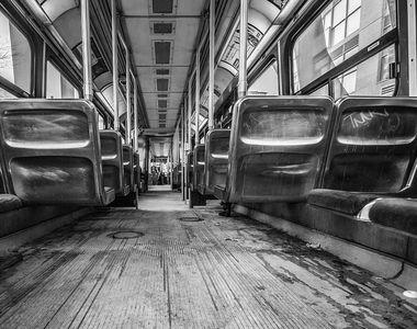 Un tramvai plin cu pasageri a luat foc la Dristor