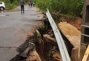 S-a rupt pământul. 34 de localităţi afectate de viituri şi inundaţii