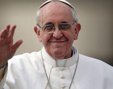 Papa în România 2019. Ce meniu a avut în avion Papa Francisc