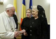 Papa in Romania 2019. Ce cadouri a primit de la Premier