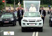 """Papa în România 2019! Surpriză la București: Papa Francisc nu a mai luat Papamobilul-Duster! Sanctitatea Sa a preferat o """"japoneză"""""""
