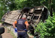 VIDEO | Autocar cu 29 de copii răsturnat între Râşnov şi Predeal. A fost activat planul roșu de intervenție