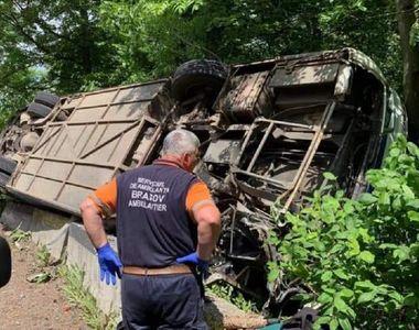 VIDEO | Autocar cu 29 de copii răsturnat între Râşnov şi Predeal. A fost activat planul...