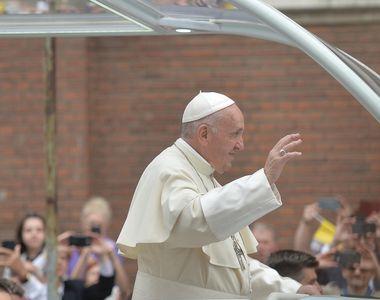 Papa în România 2019. Papa Francisc are la Vatican un chelner român! Petru Tâmpău ia...