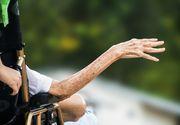 A mers la spital pentru că nu se simţea bine, însă a primit un tratament inuman. Pacientă de 76 de ani, legată sub un scaun de doctori