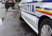 Maşină de poliţie, implicată într-un accident rutier în Craiova. Doi poliţişti au fost duşi la spital