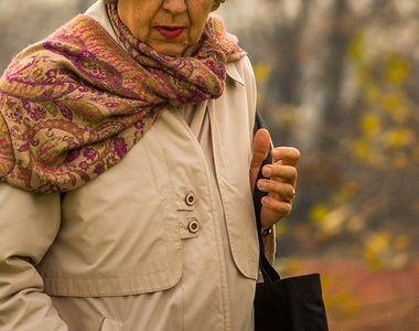 Bătrână de 72 de ani din Oradea audiată pentru trafic de droguri