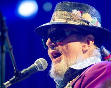 Lumea muzicii este în doliu: Un celebru cântăreţ a murit