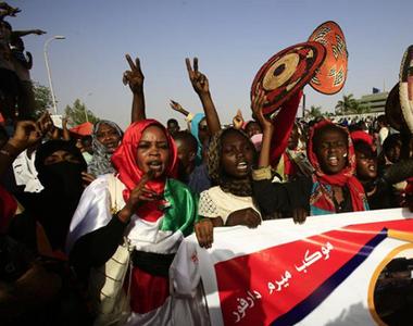 Medicii din Sudan susţin că peste 70 de persoane au fost violate în atacul forţelor...
