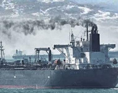VIDEO   Turiștii, speriați de poluare. O mare de petrol