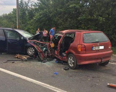 Accident soldat cu doi morți pe DN66, după ce un șofer s-a angajat într-o depășire...