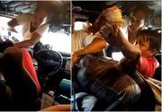 Șofer de autobuz, bătut de soție la volan, în văzul tuturor. Ce a declanșat scandalul