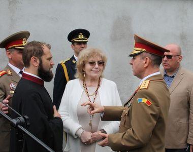 S-a inaugurat monumentul artiștilor muzicii românești! Uite cum au apărut Corina...