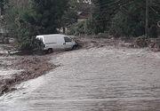 Efecte ale ploilor şi vântului puternic în 8 judeţe; În Bistriţa-Năsăud, mai multe localităţi au fost afectate de viituri, două femei şi trei copii fiind evacuaţi de salvatori