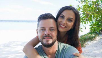 Ce au păţit cei doi soţi din Bucovina care şi-au vândut apartamentul ca să călătorească prin lume