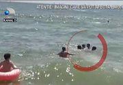VIDEO   40 de turiști au fost salvați din mare