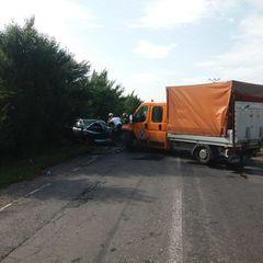 Accident cumplit în Braşov: Şase răniţi în urma coliziunii dintre o autoutilitară şi un autoturism