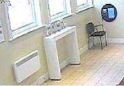 Un bărbat a primit 14 luni de închisoare pentru comiterea unui jaf cu o banană pe post de armă
