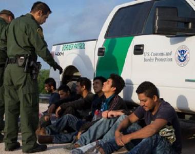 """SUA vor începe să expulzeze de săptămâna viitoare """"milioane"""" de imigranţi fără..."""