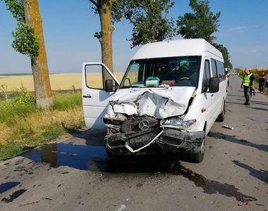 Patru persoane rănite într-un accident în Tulcea